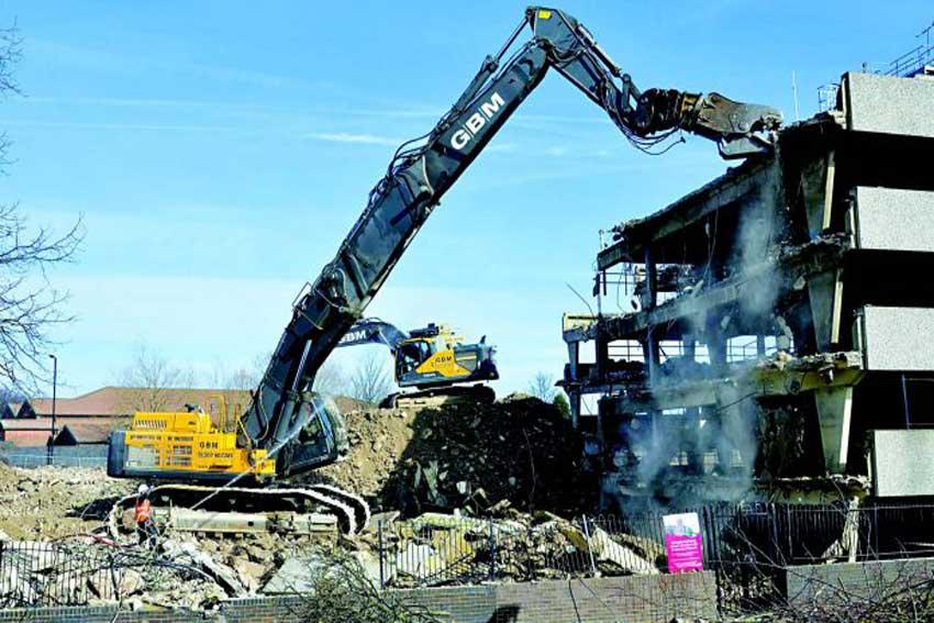 Demolishing with high-grade steel